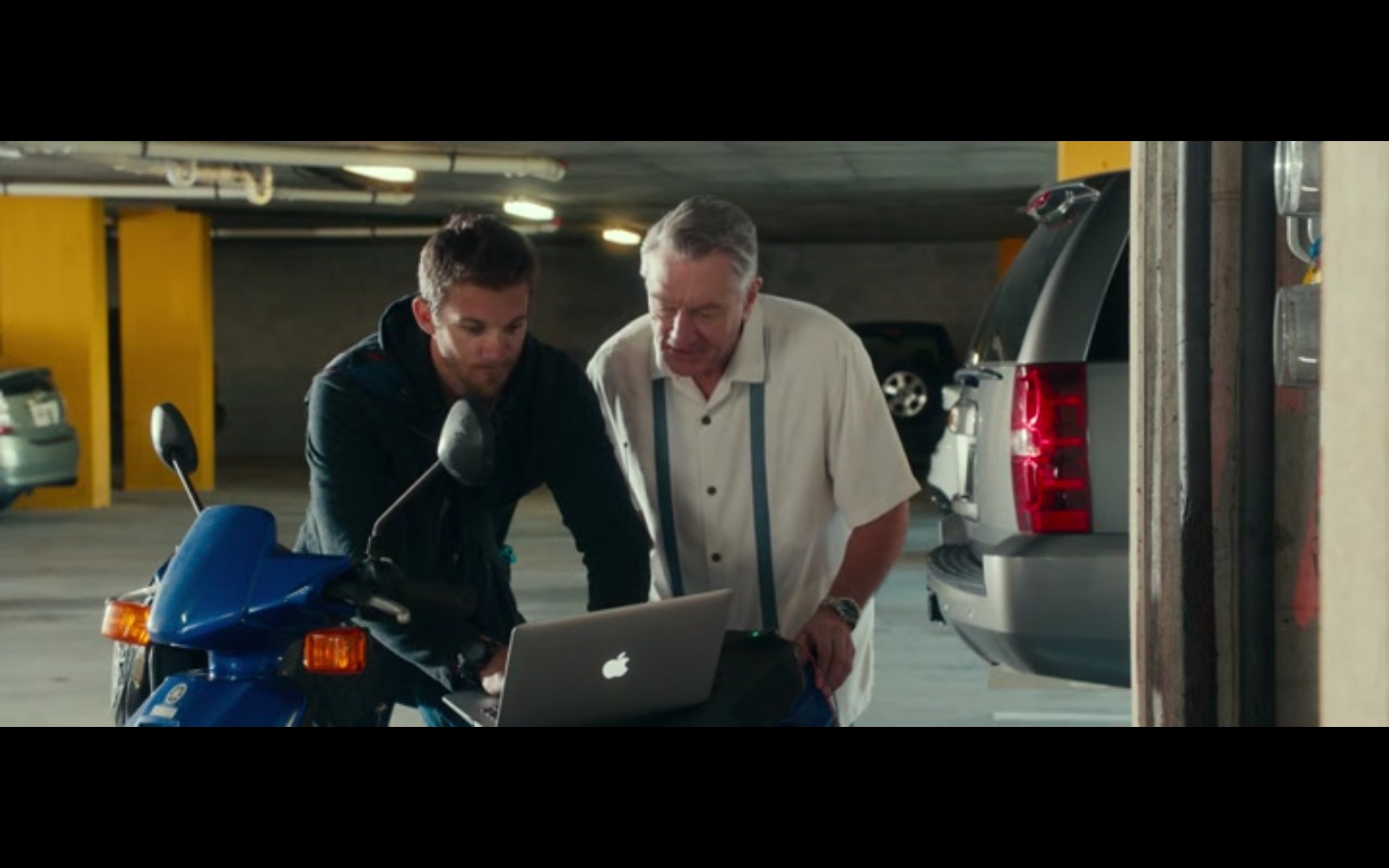 Apple MacBook – Dirty Grandpa 2016 (1)