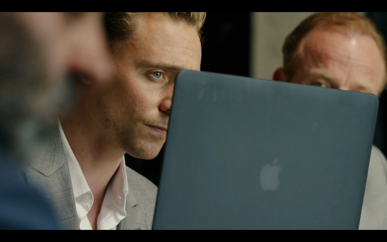 Apple MacBook – The Night Manager TV Show Product Placement