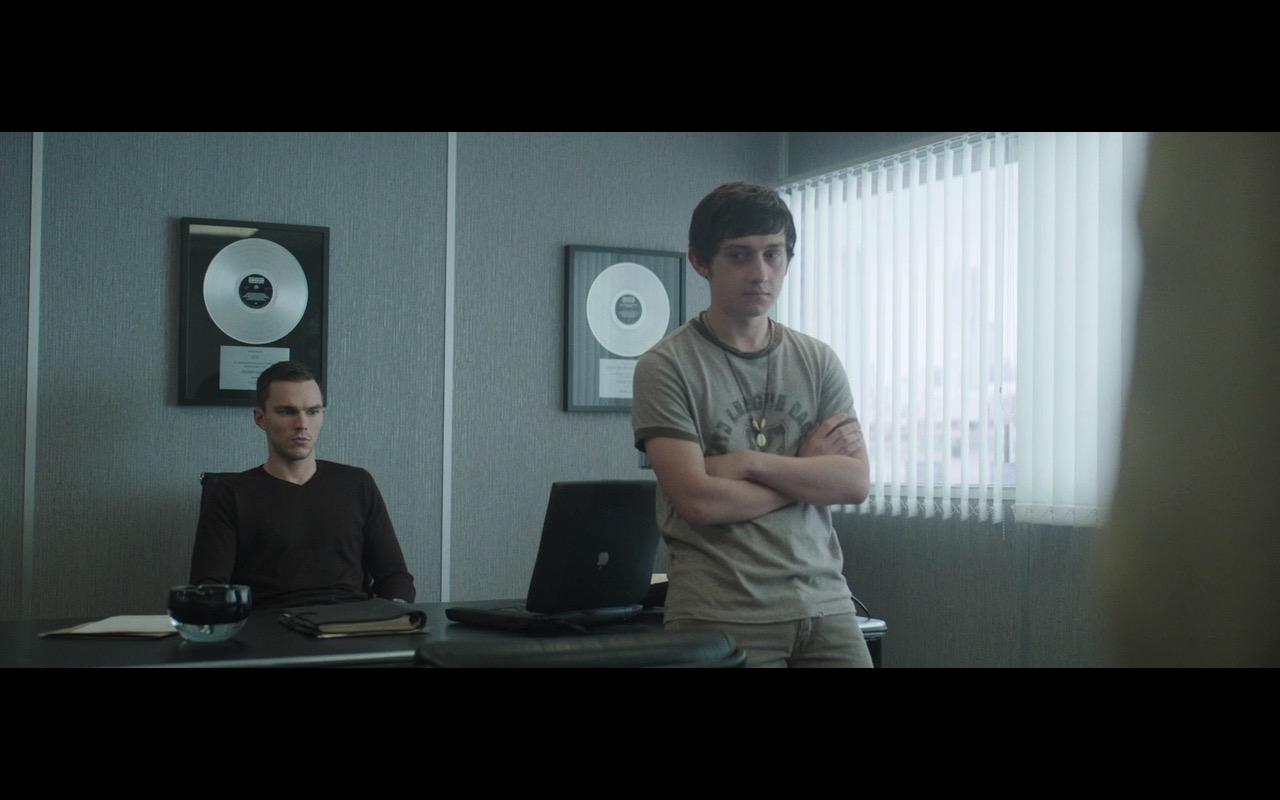 Apple PowerBook – Kill Your Friends (2015) Movie Product Placement