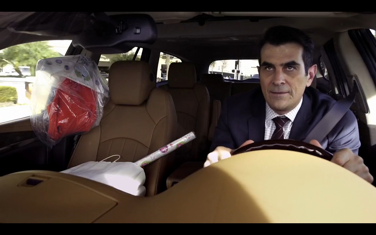 Buick Encave - Modern Family TV Show Product Placement