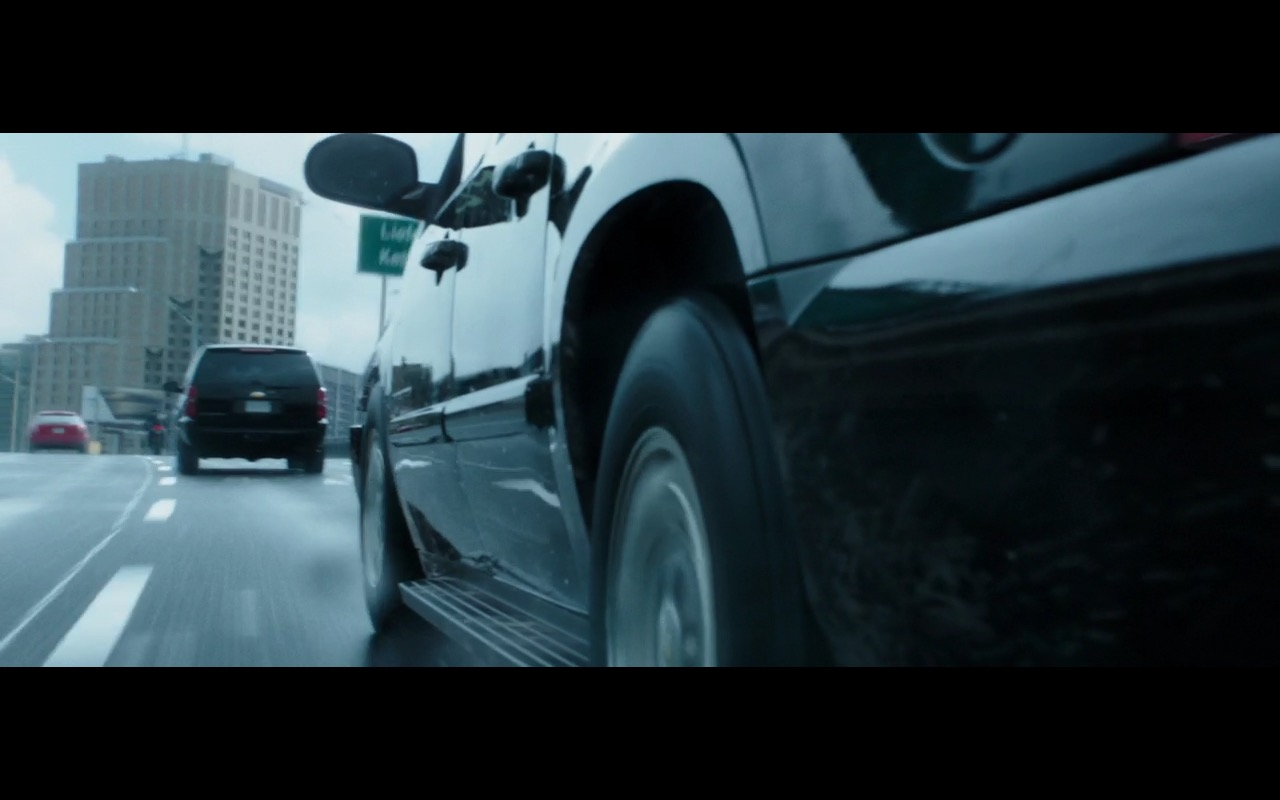 Chevrolet Suburban - Deadpool 2016 product placement (5)