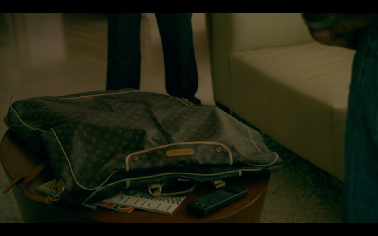 Louis Vuitton Bag - American Crime Story - TV Show Product Placement