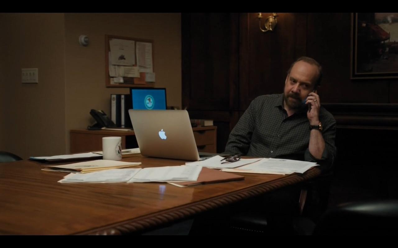 Macbook – Billions (s1,e7) (2016) - TV Show Product Placement