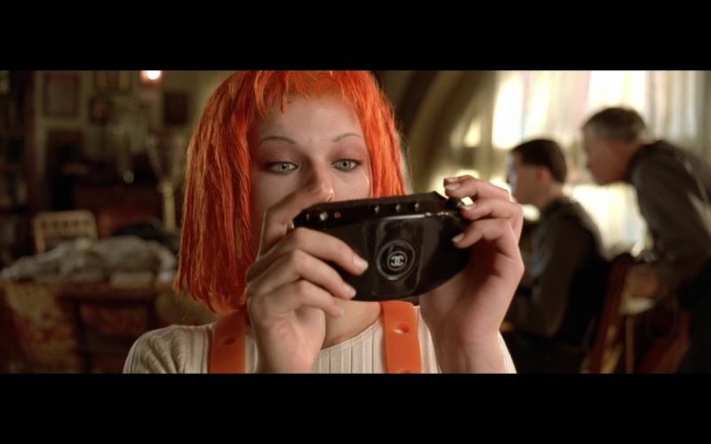 Milla Jovovich –  Chanel – The Fifth Element 1997 Movie Product Placement (1)