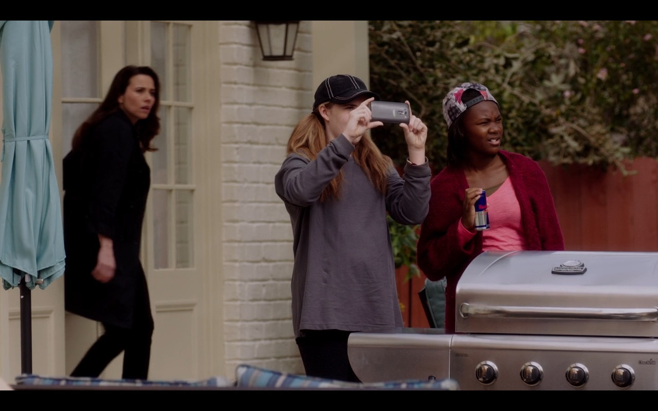 Red Bull – Daddy's Home 2015 Product Placement (2)