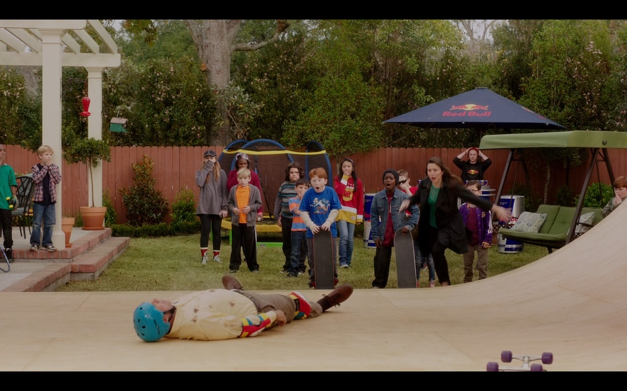 Red Bull – Daddy's Home 2015 Product Placement (3)