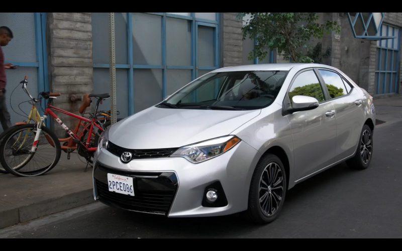 Toyota Corolla – New Girl – Megan Fox (1)