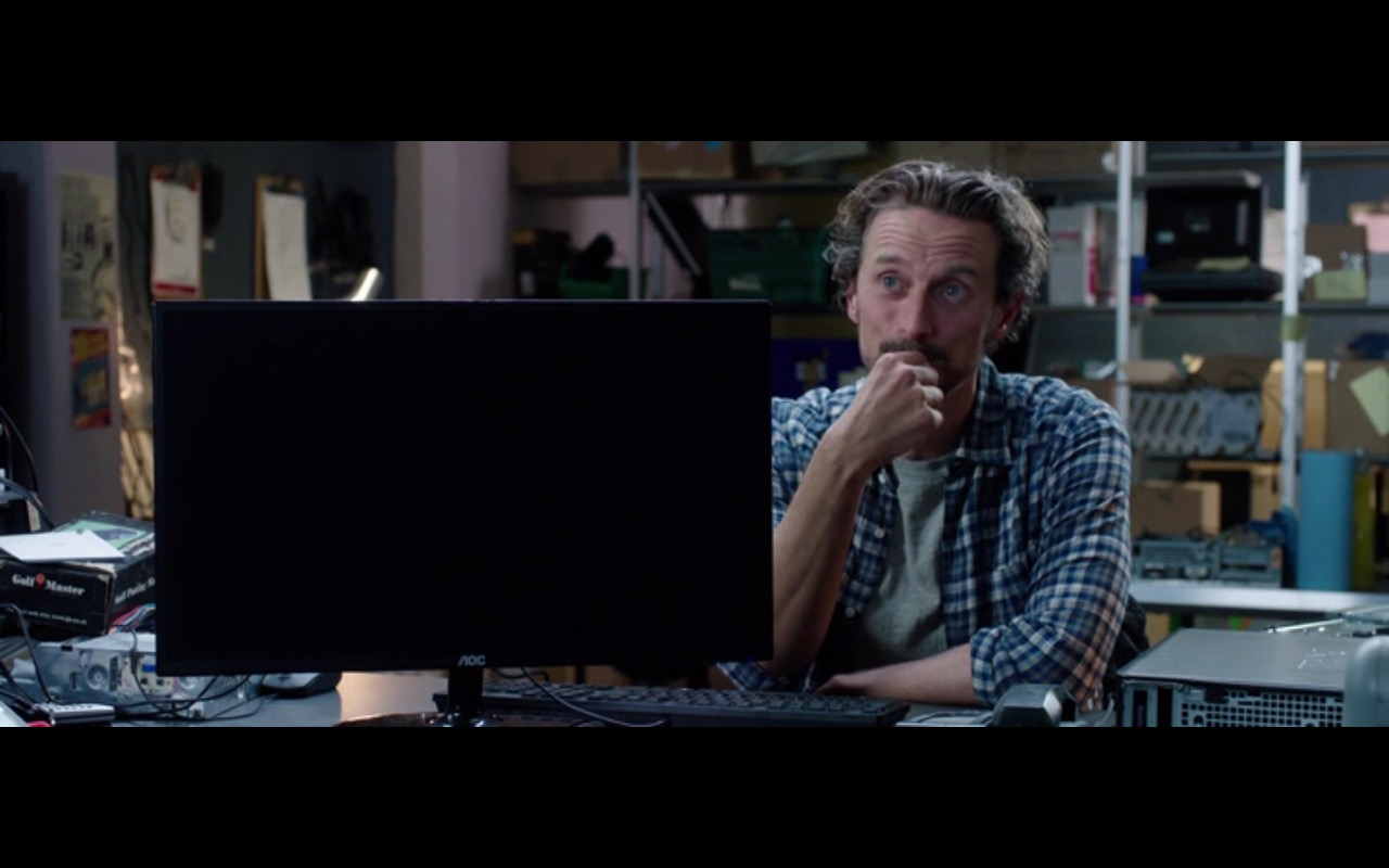 AOC Monitor - The Correspondence (2016) - Movie Product Placement