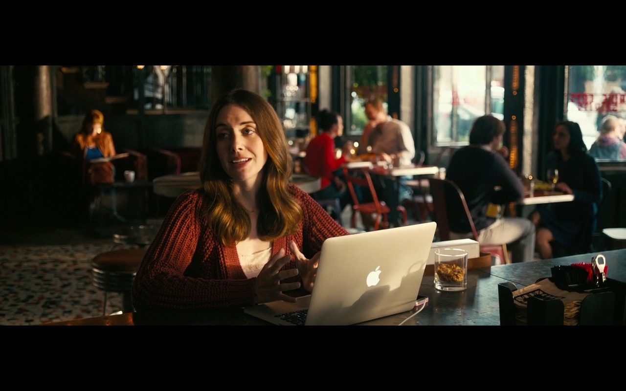 Apple Macbook Pro '� How To Be Single (2016) Movie Product Placement Review