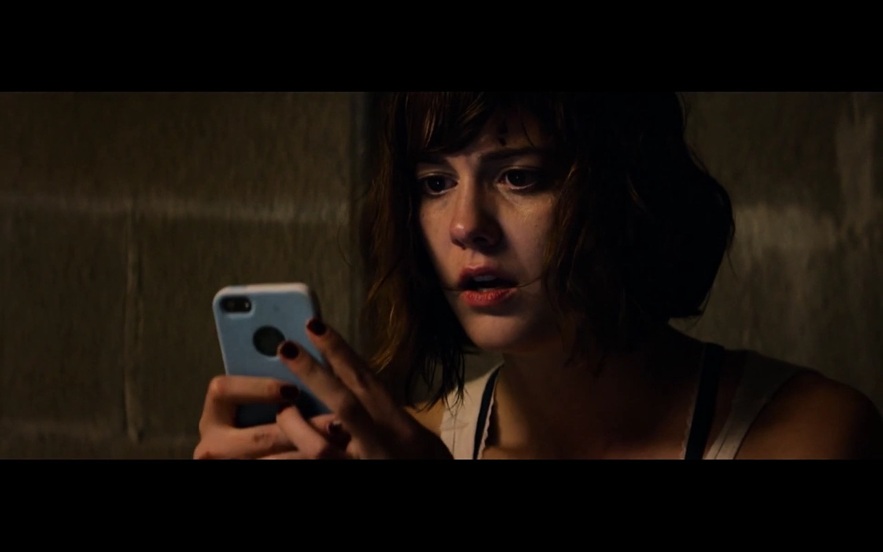 Apple iPhone - 10 Cloverfield Lane (2016) Movie Product Placement