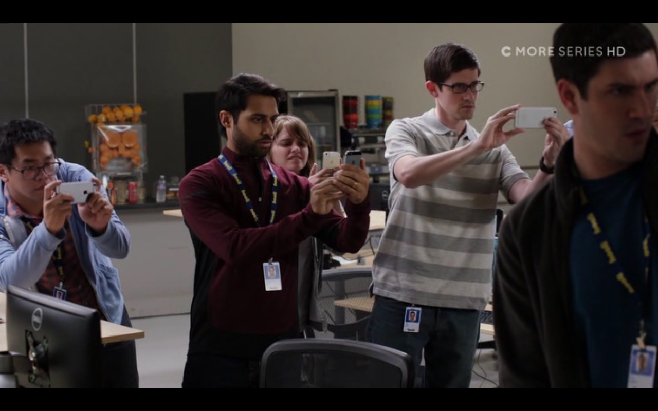 Apple iPhone 5/5s and 6/6s - Silicon Valley - TV Show Product Placement