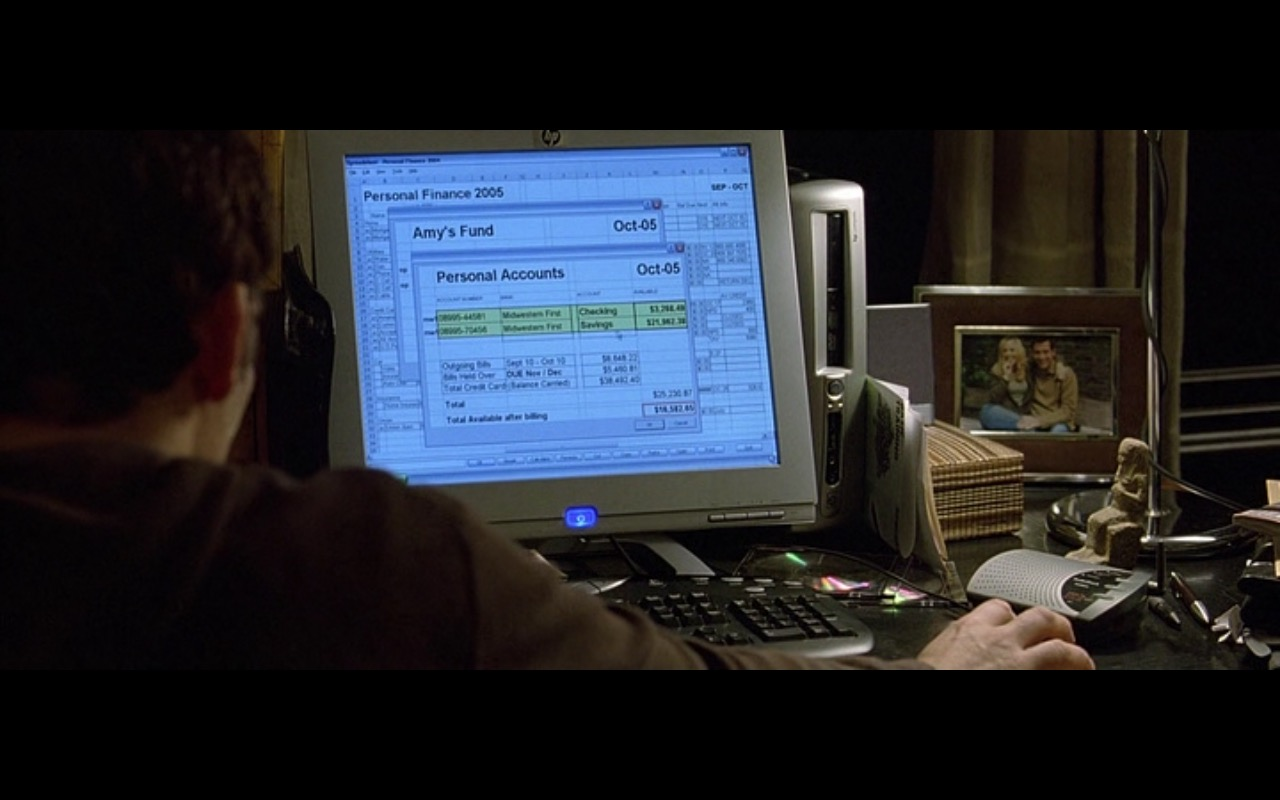 HP Monitors - Derailed (2005) - Movie Product Placement