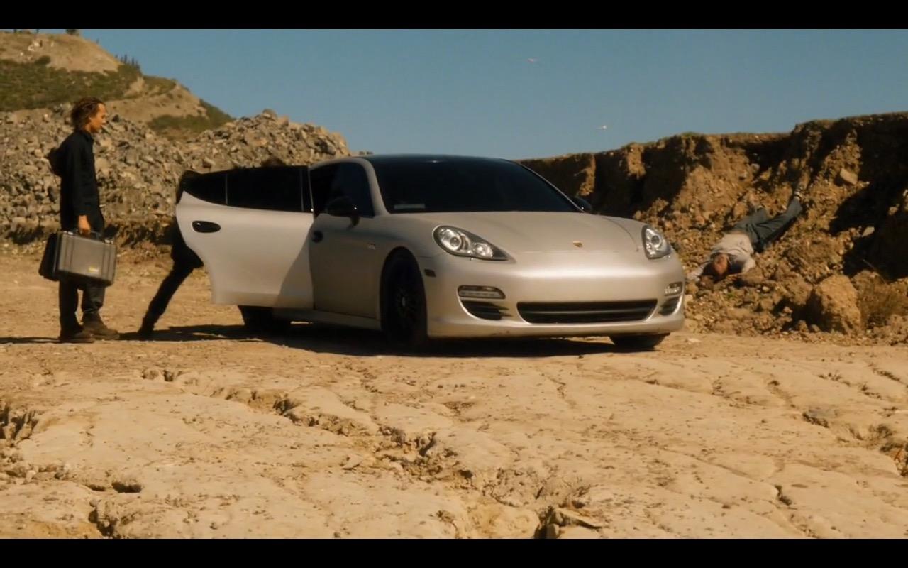 Porsche Panamera - Fear The Walking Dead - TV Show Product Placement