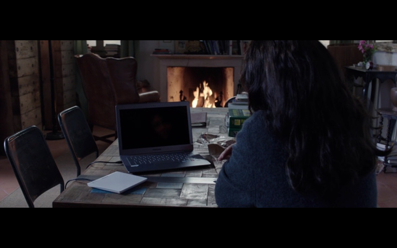 Samsung Notebook – The Correspondence (2016) - Movie Product Placement