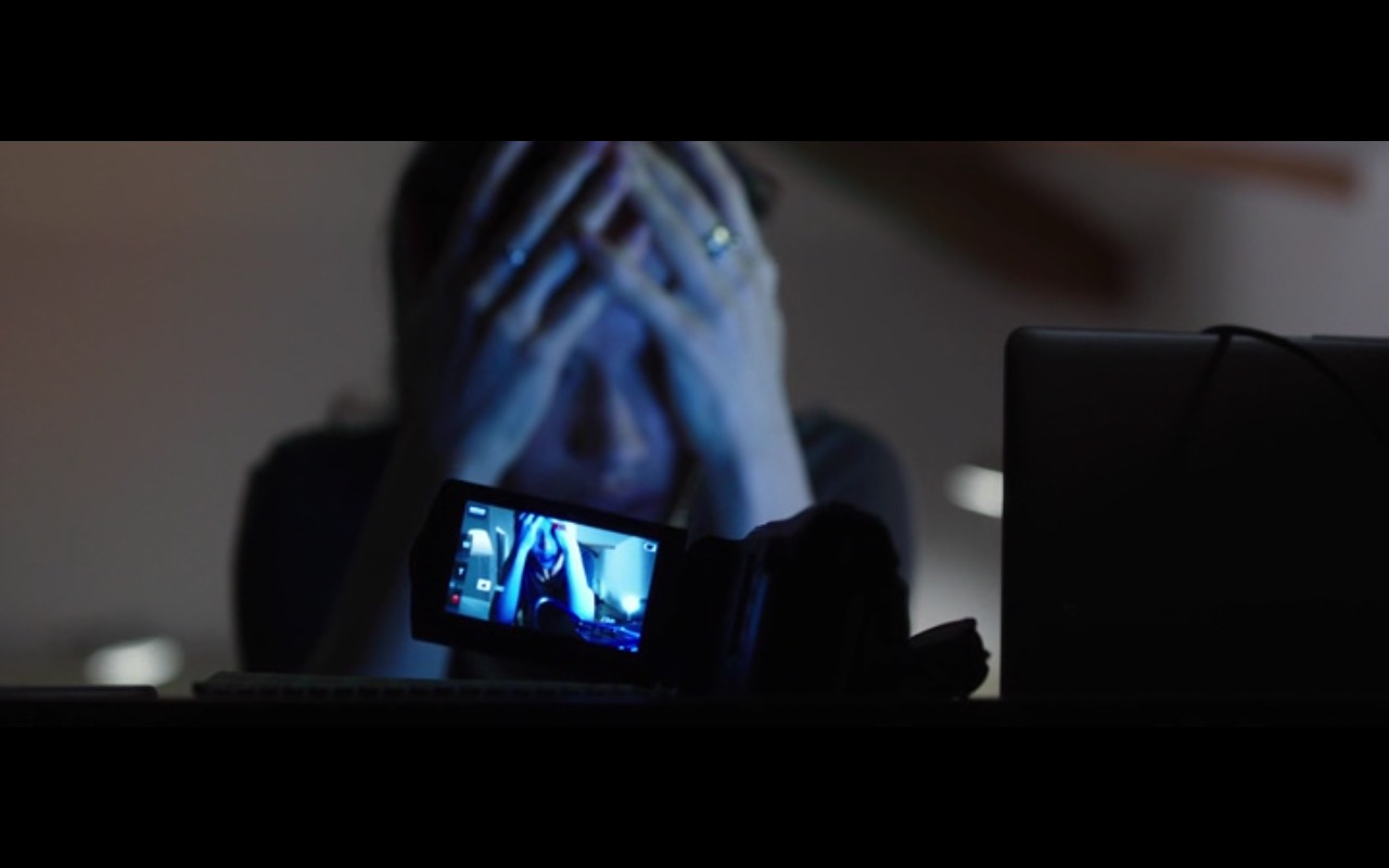 Sony Camcorder - The Correspondence 2016 (5)