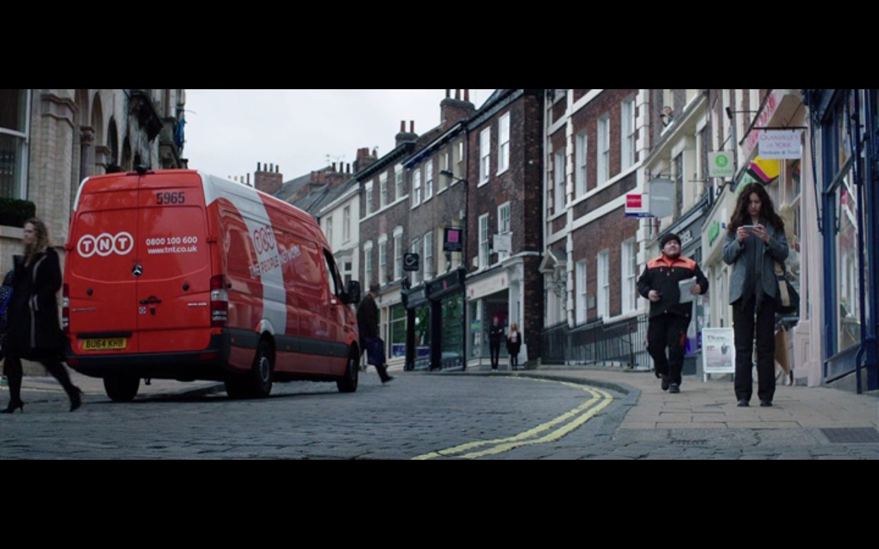 TNT – The Correspondence (2016) - Movie Product Placement