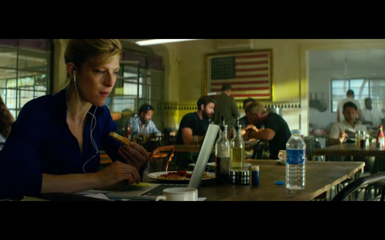 Apple MacBook Pro 13 – 13 Hours: The Secret Soldiers of Benghazi (2016) - Movie Product Placement