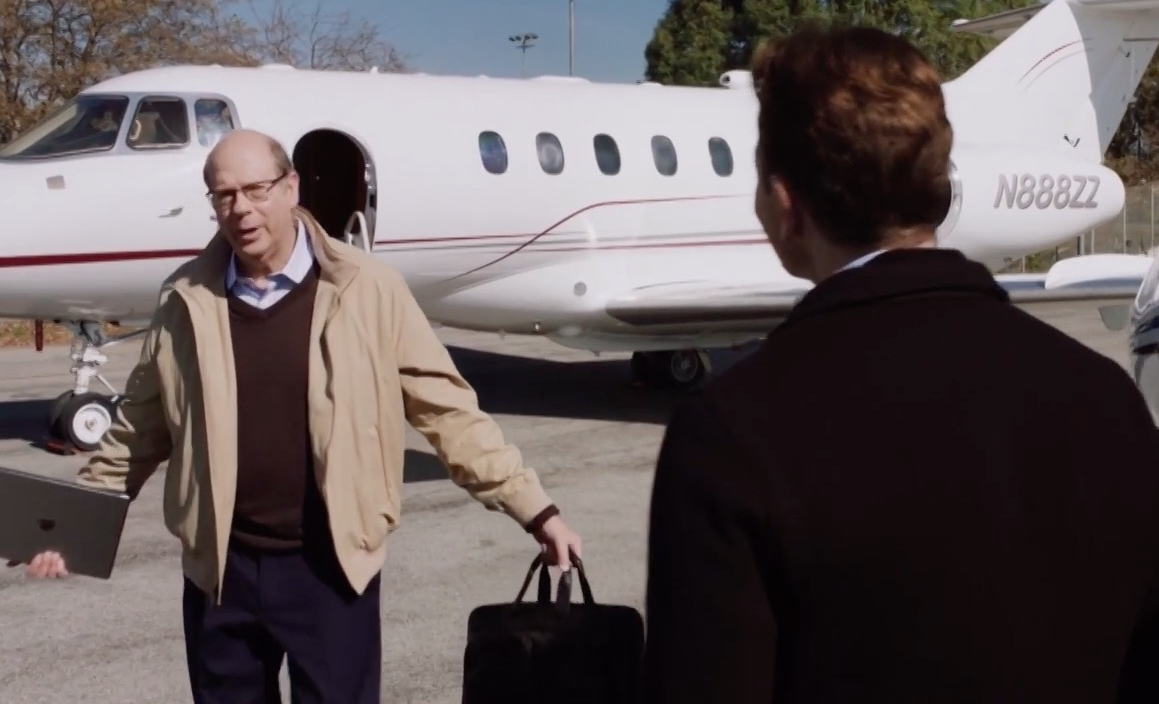 """Apple iPad Tablet in Silicon Valley Season 3, Episode 8 """"Bachman's Earning's Over Ride"""" TV Show"""