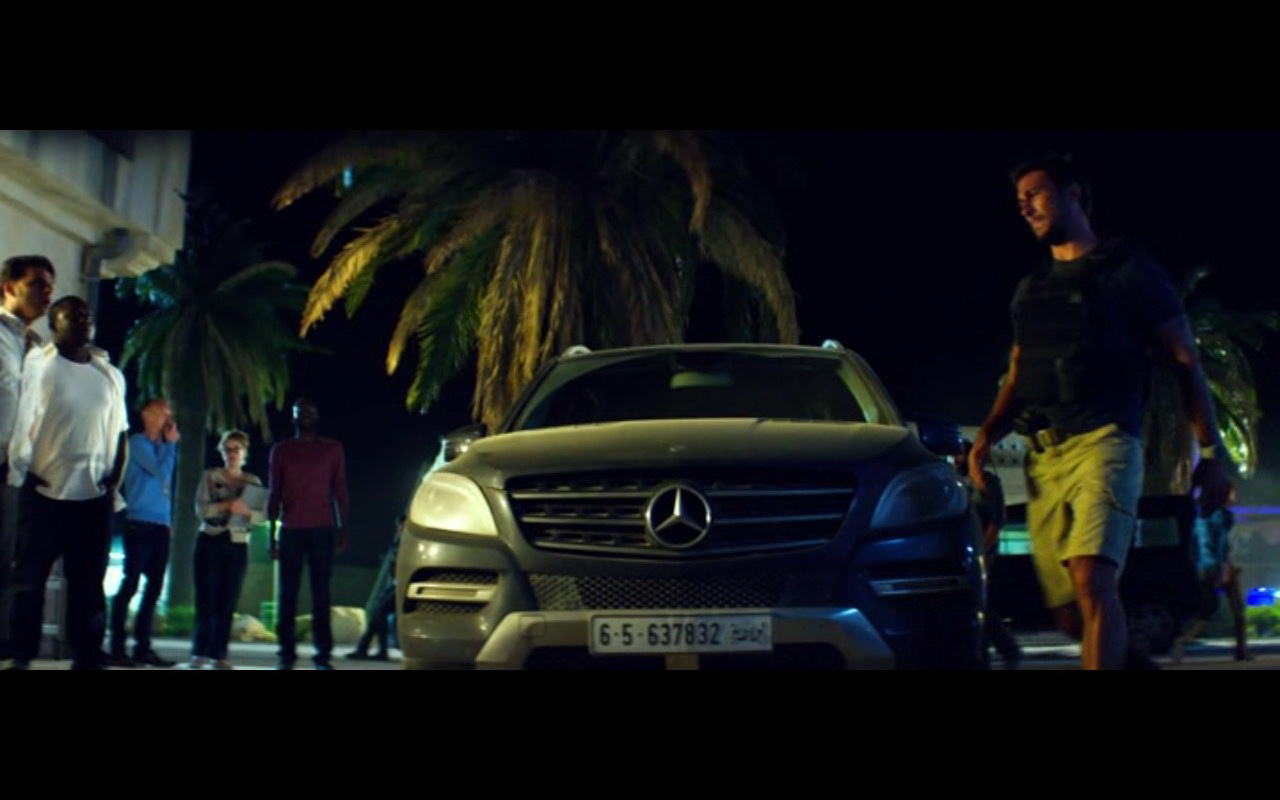 Mercedes-Benz GL350 – 13 Hours: The Secret Soldiers of Benghazi (2016) Movie Product Placement