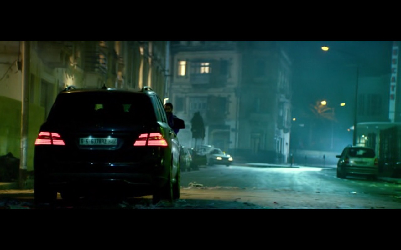 Jeep Suv 2015 >> Mercedes-Benz GL350 – 13 Hours: The Secret Soldiers of Benghazi (2016) Movie Scenes