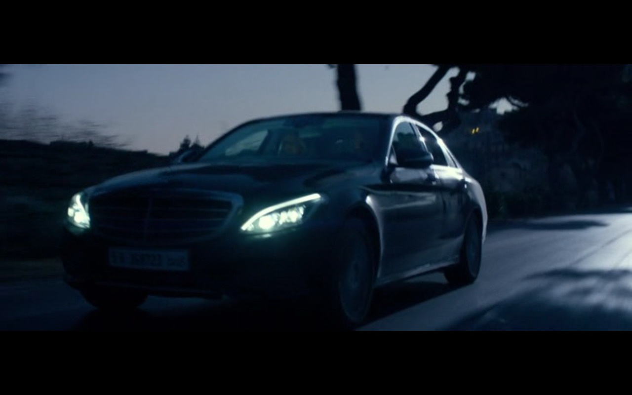Mercedes-Benz Product Placement – 13 Hours The Secret Soldiers of Benghazi 2016 (12)