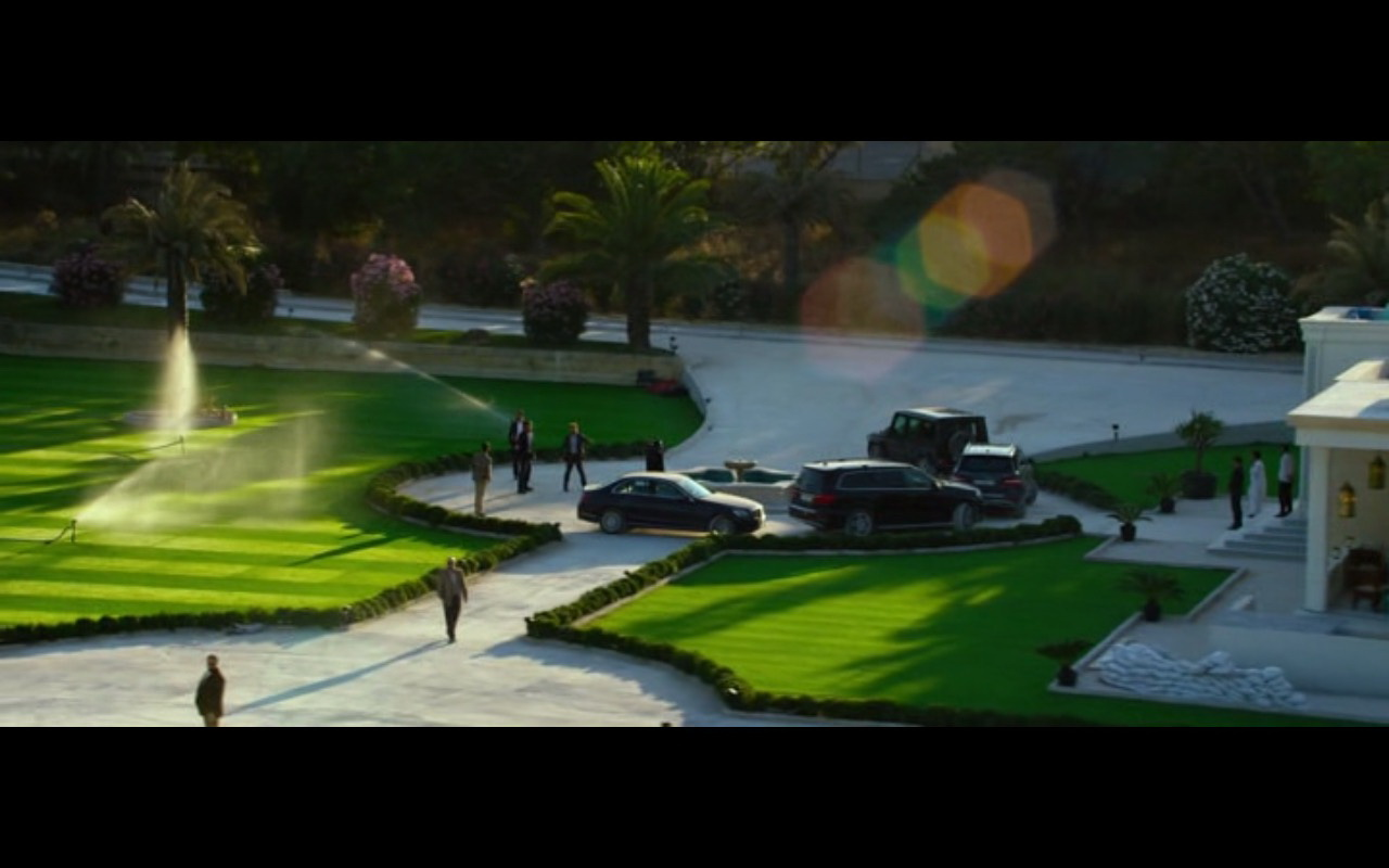 Mercedes-Benz Product Placement – 13 Hours The Secret Soldiers of Benghazi 2016 (9)