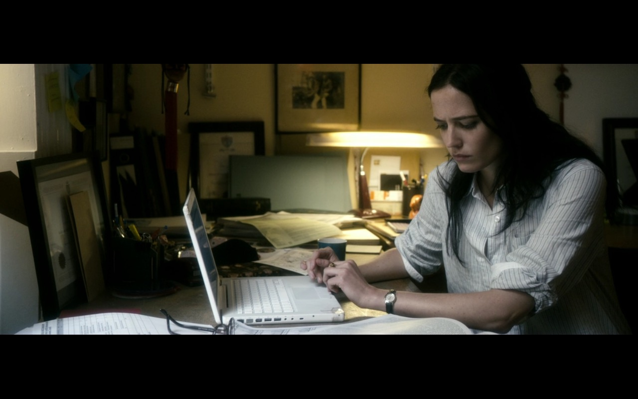Apple MacBook – Perfect Sense (2011) - Movie Product Placement