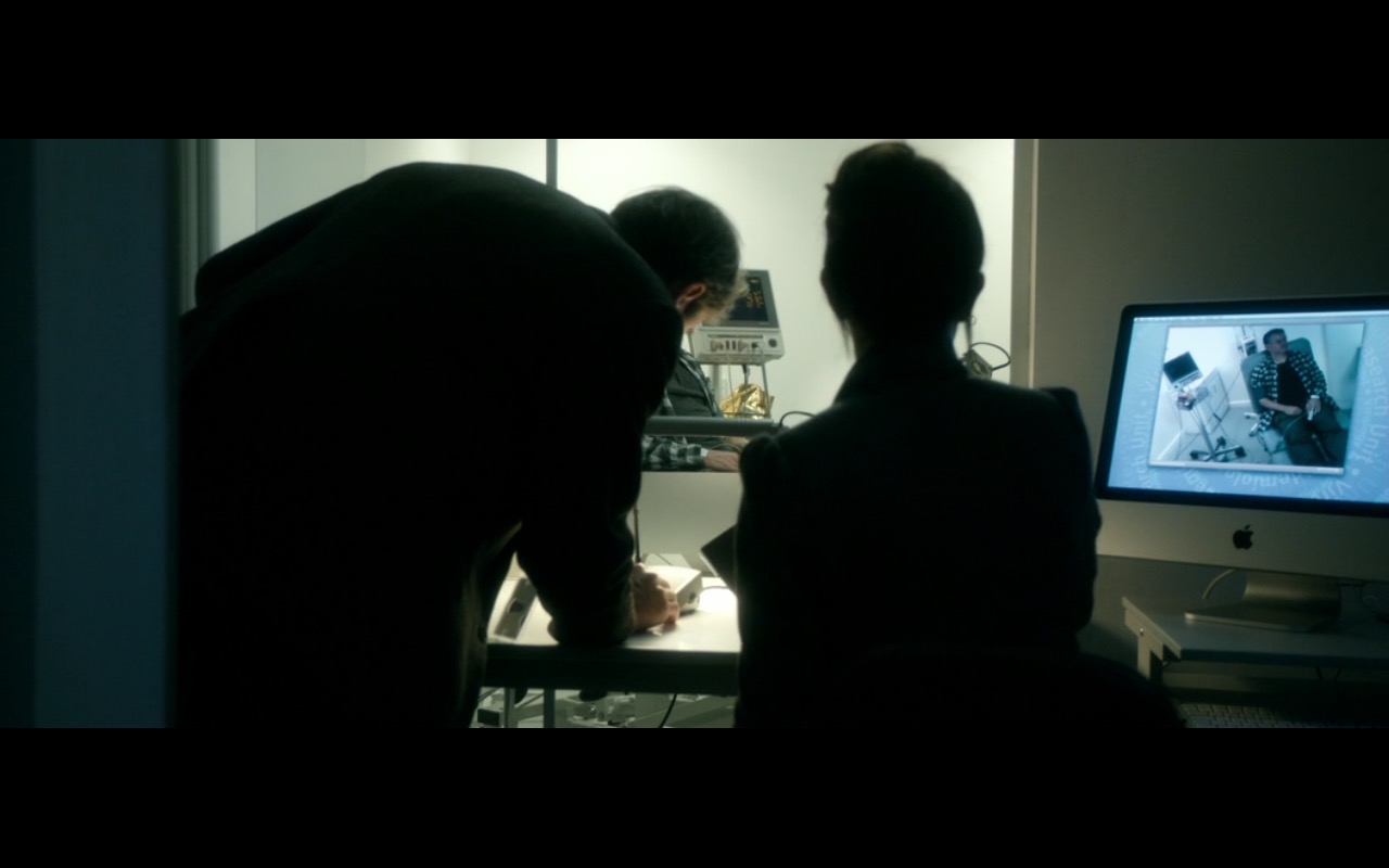 Apple iMac - Perfect Sense (2011) Movie Product Placement