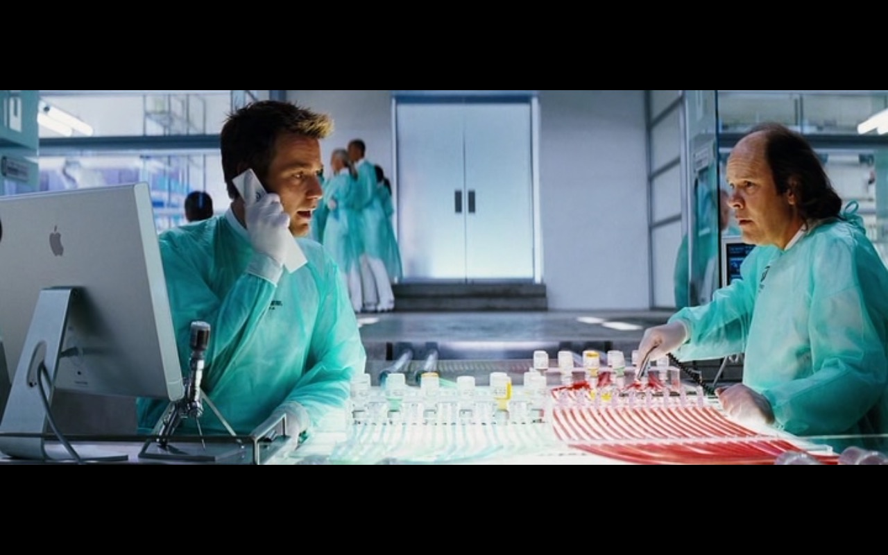 Apple iMac - The Island (2005) Movie Product Placement