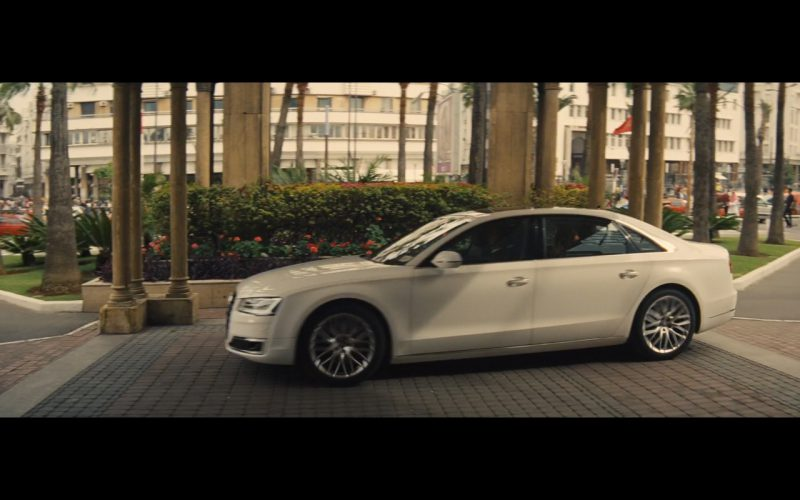 Audi A8 – A Hologram for the King 2016 (1)