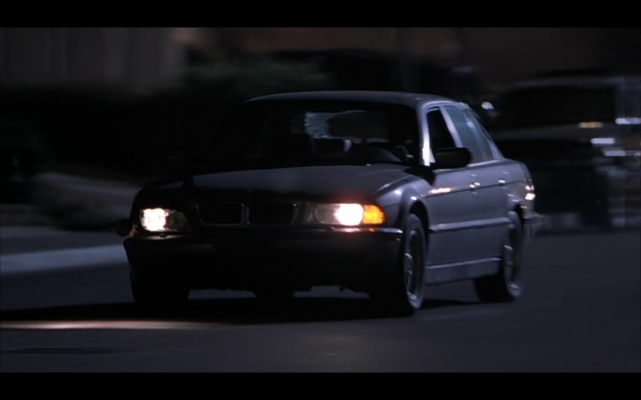 BMW 740iL [E38]  – Bad Santa (2003) Movie Product Placement