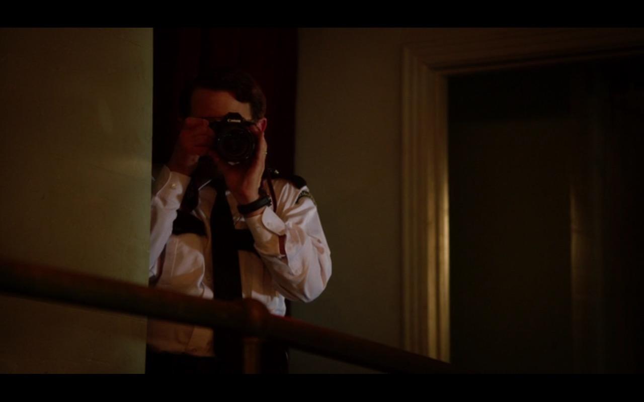 Canon Photo Camera - Bad Santa 2 (2016) - Movie Product Placement
