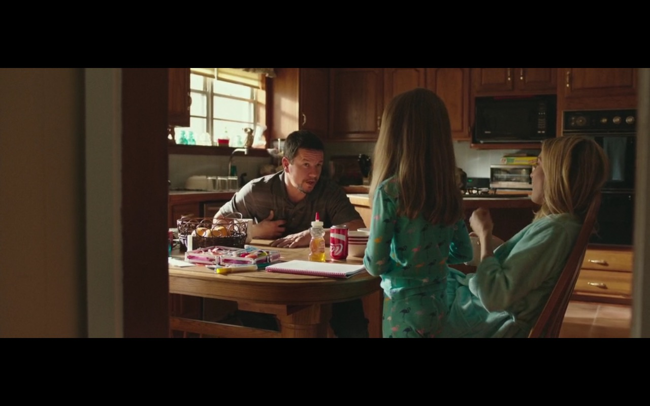 Coca-Cola - Deepwater Horizon (2016) Movie Product Placement
