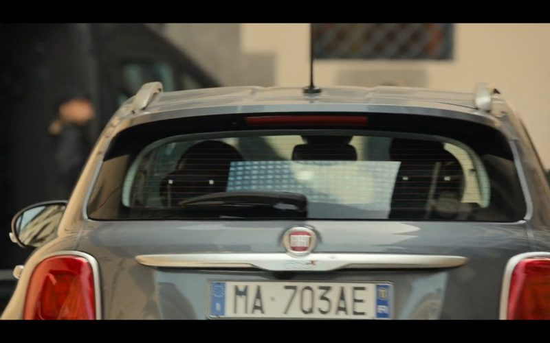 FIAT 500X - Inferno (2016) Movie Product Placement