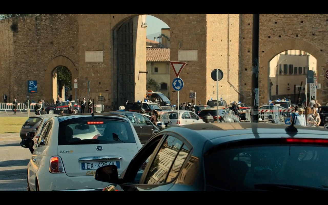 White Fiat 500 – Inferno (2016) Movie Product Placement