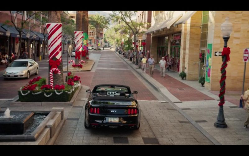 Ford Mustang GT - Bad Santa 2 (2016) Movie Product Placement