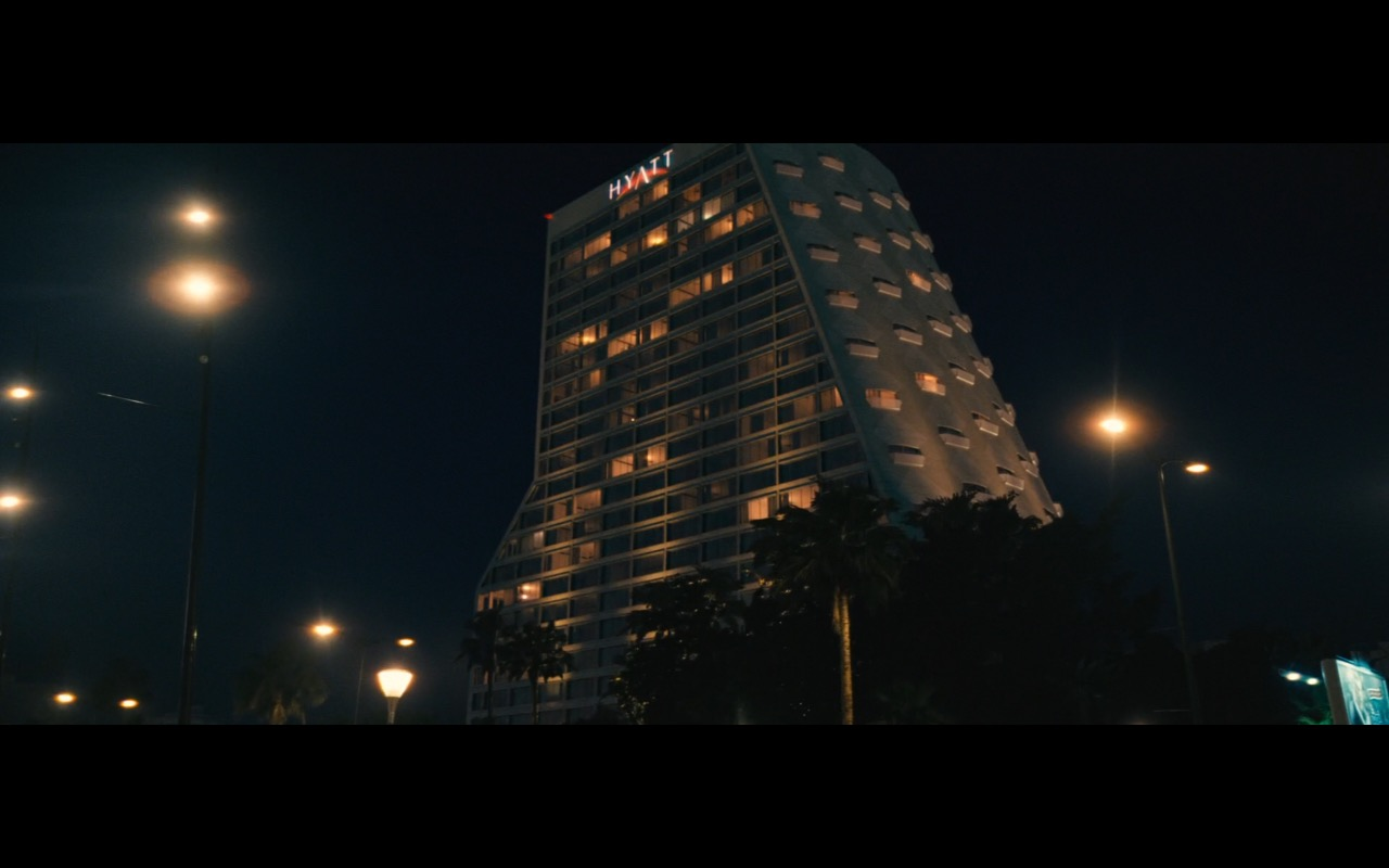 Hyatt – A Hologram for the King (2016) Movie Product Placement