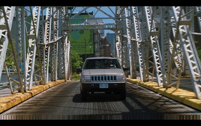 Jeep Cherokee – U.S. Marshals 1998 Movie Product Placement (1)