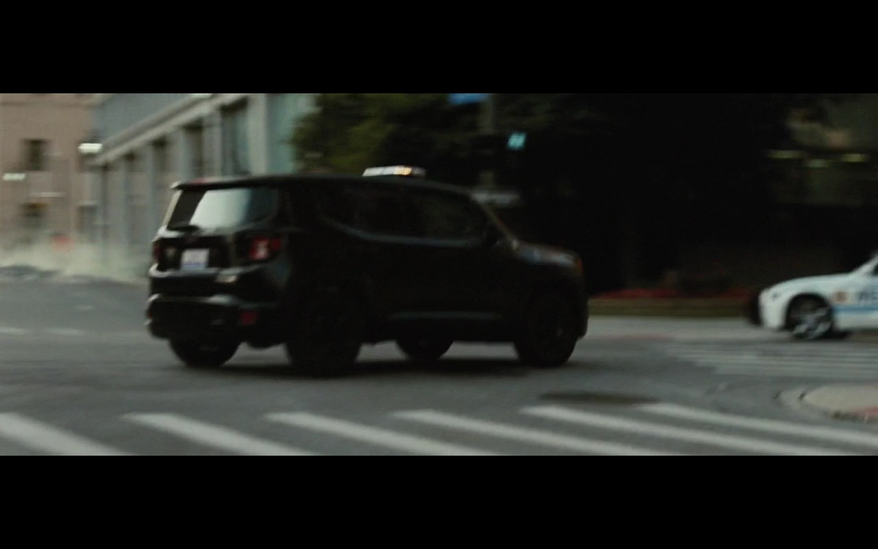 Jeep Renegade – Batman v Superman: Dawn of Justice (2016) - Movie Product Placement