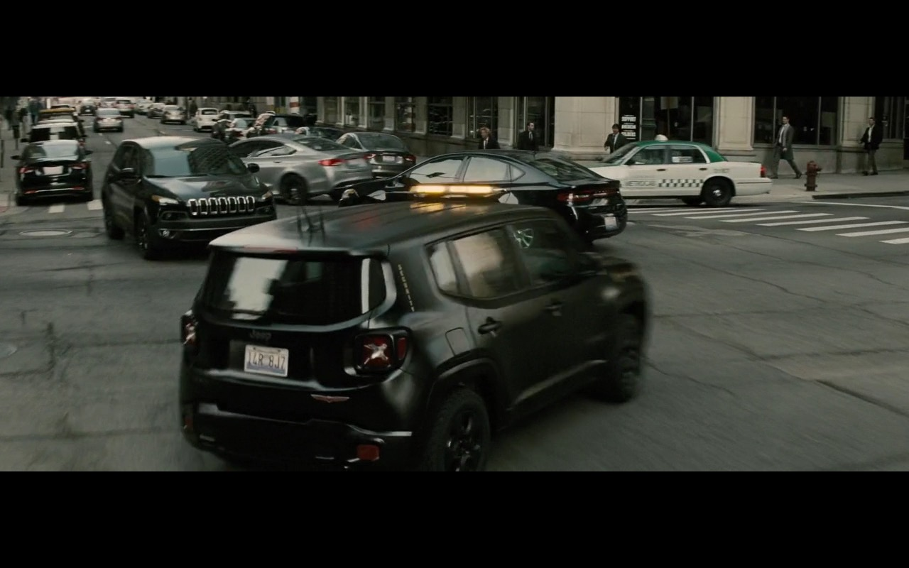 jeep renegade batman v superman dawn of justice 2016 movie scenes. Black Bedroom Furniture Sets. Home Design Ideas
