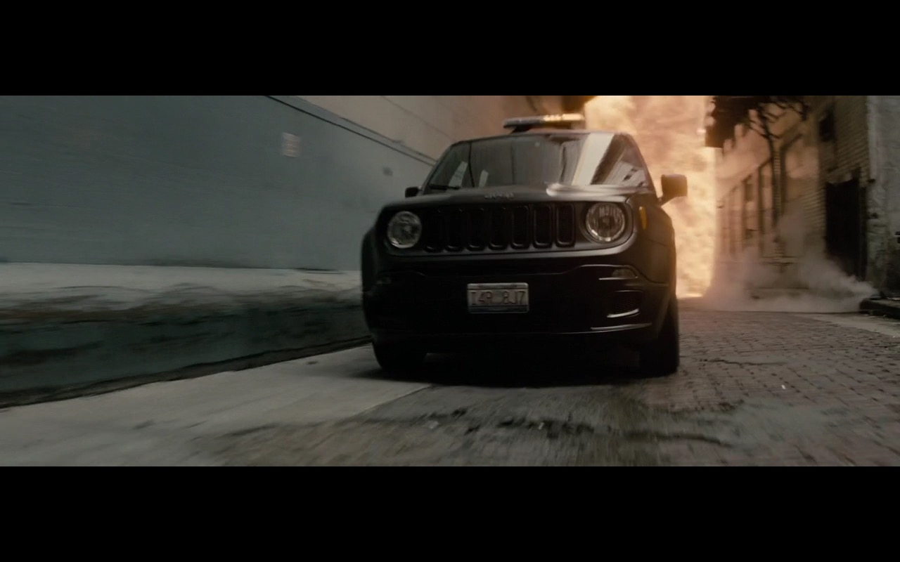 Jeep Renegade – Batman v Superman: Dawn of Justice (2016) Movie Product Placement