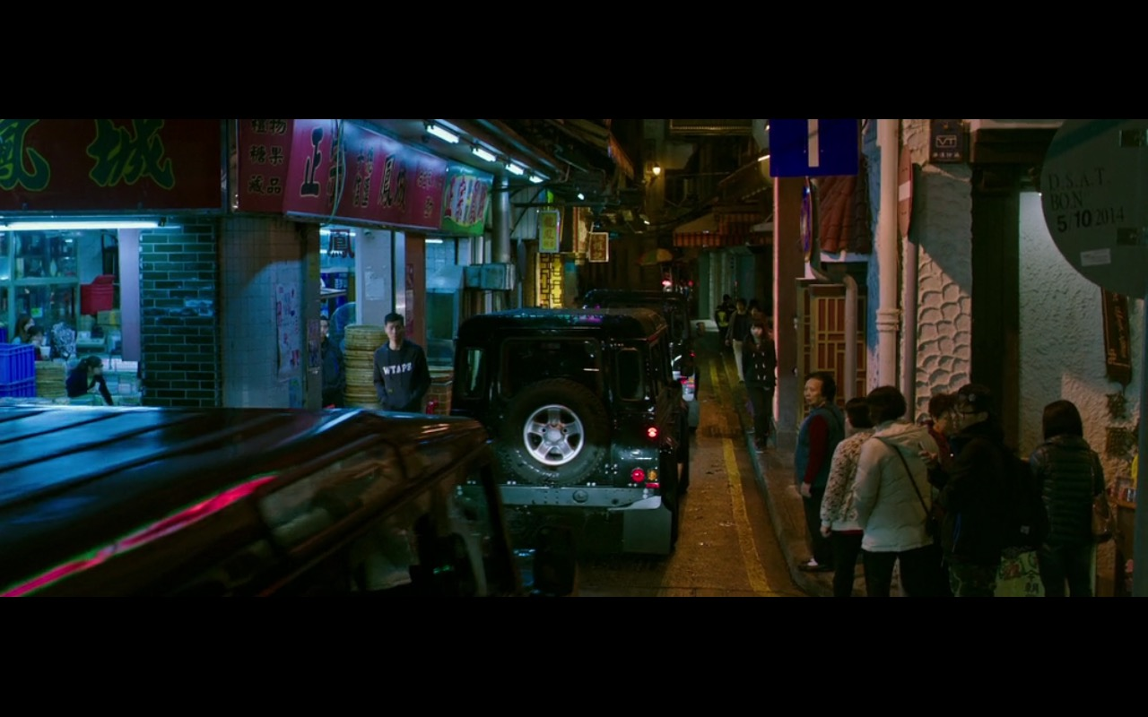 Land Rover Defender - Now You See Me 2 (2016) Movie Product Placement