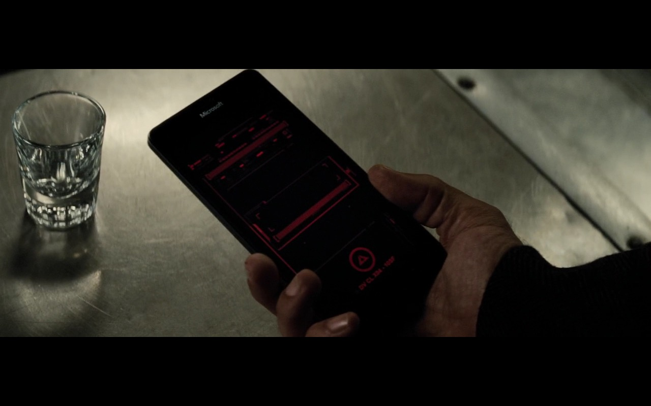 Microsoft Lumia 950 – Batman v Superman: Dawn of Justice (2016) Movie Product Placement