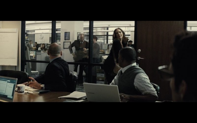 Samsung Laptop – Batman v Superman: Dawn of Justice (2016) Movie Product Placement