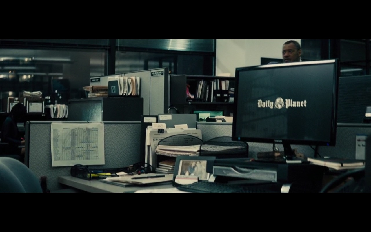 Samsung Monitor – Batman v Superman: Dawn of Justice (2016) Movie Product Placement