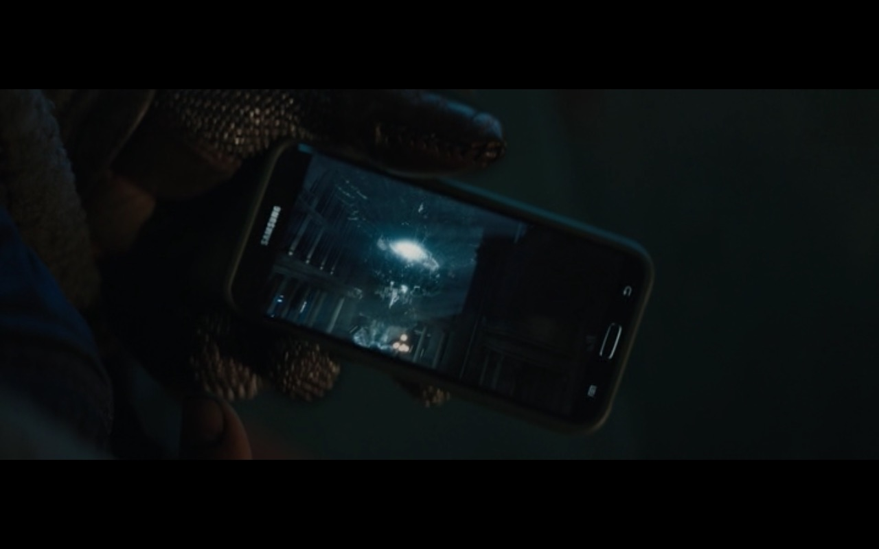 Samsung Smartphones - Suicide Squad (2016) Movie Product Placement