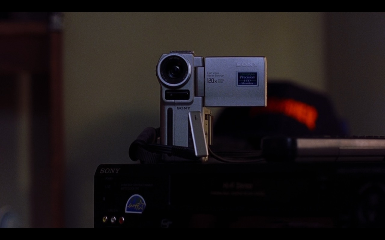 Sony Camcorder – Road Trip (2000) Movie Product Placement