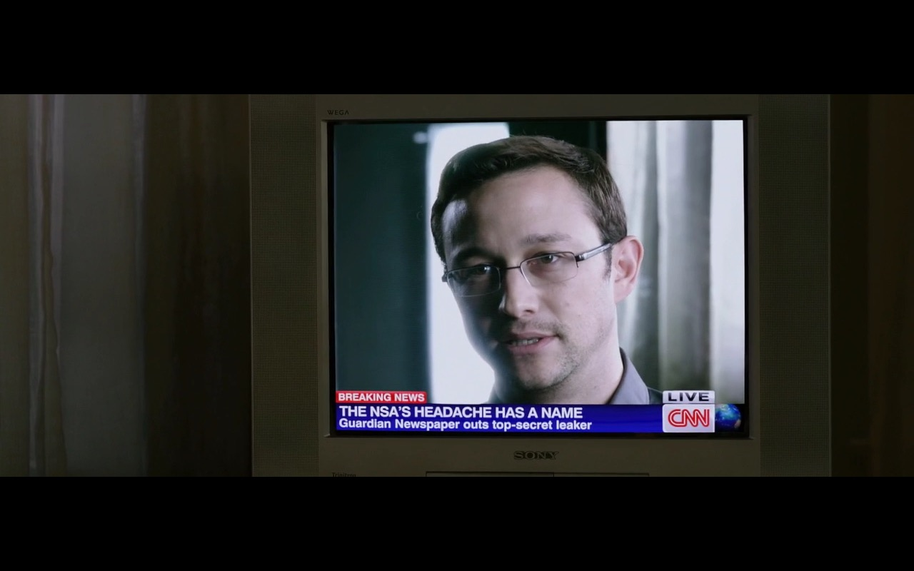 Sony TV and CNN - Snowden (2016) - Movie Product Placement