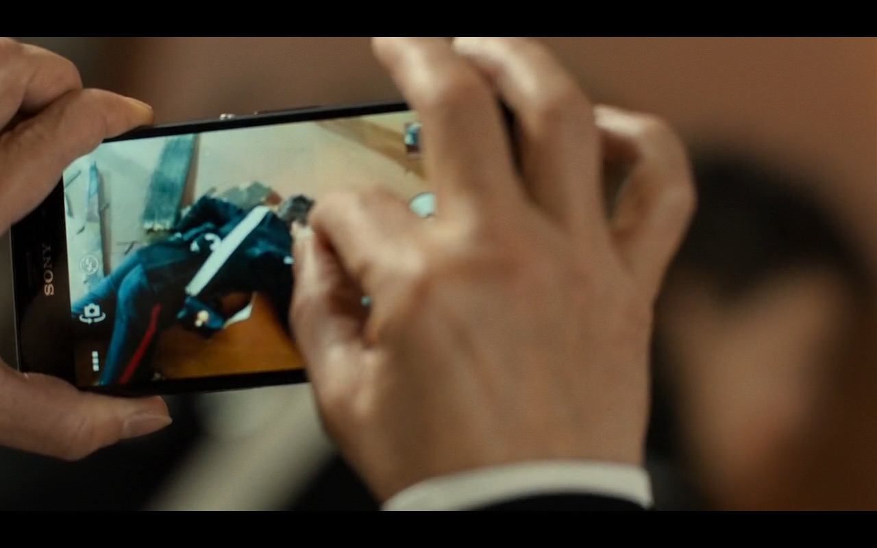 Sony Xperia Smartphones – Inferno (2016) - Movie Product Placement