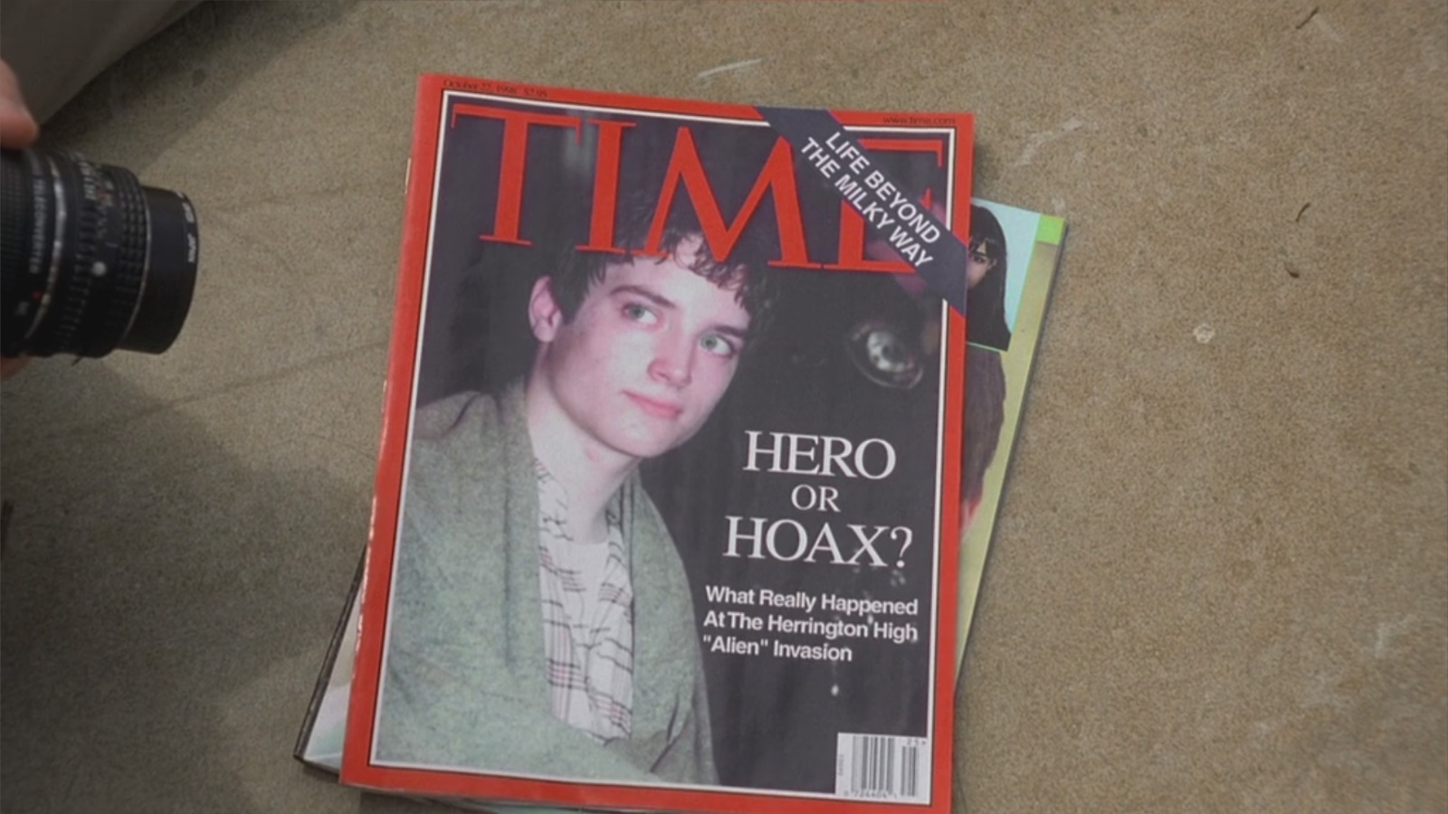 Time Magazine – The Faculty (1998) Movie Product Placement